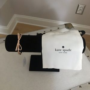 kate spade Jewelry - Kate Spade Rose Gold Hinged Bangle. New with Tags